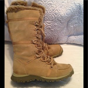 Women's Skechers Grand Jam swede leather boots EUC